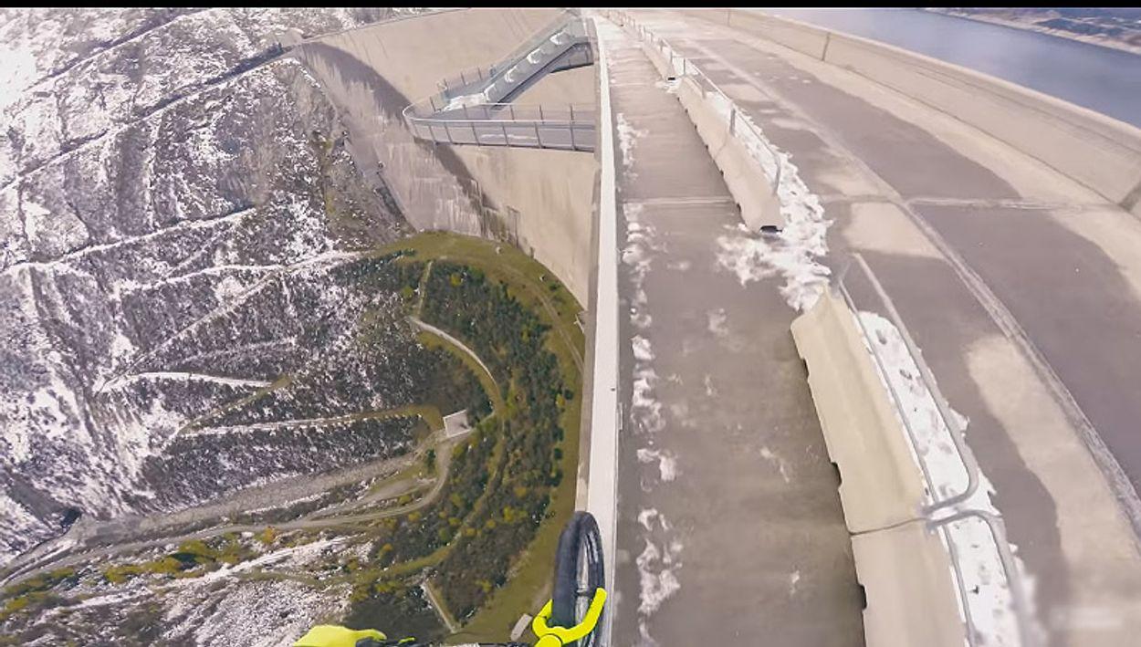 Afbeelding van Web Draait Door: fietsen op eenzame hoogte