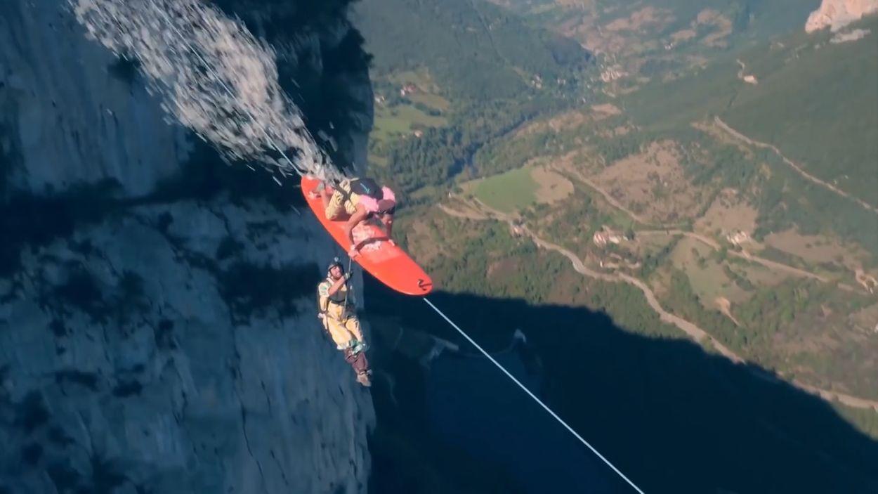 Afbeelding van Web Draait Door: wie durft deze kabelbaan aan?