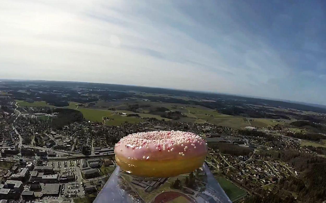 Afbeelding van Web Draait Door: Eerste donut in de ruimte!