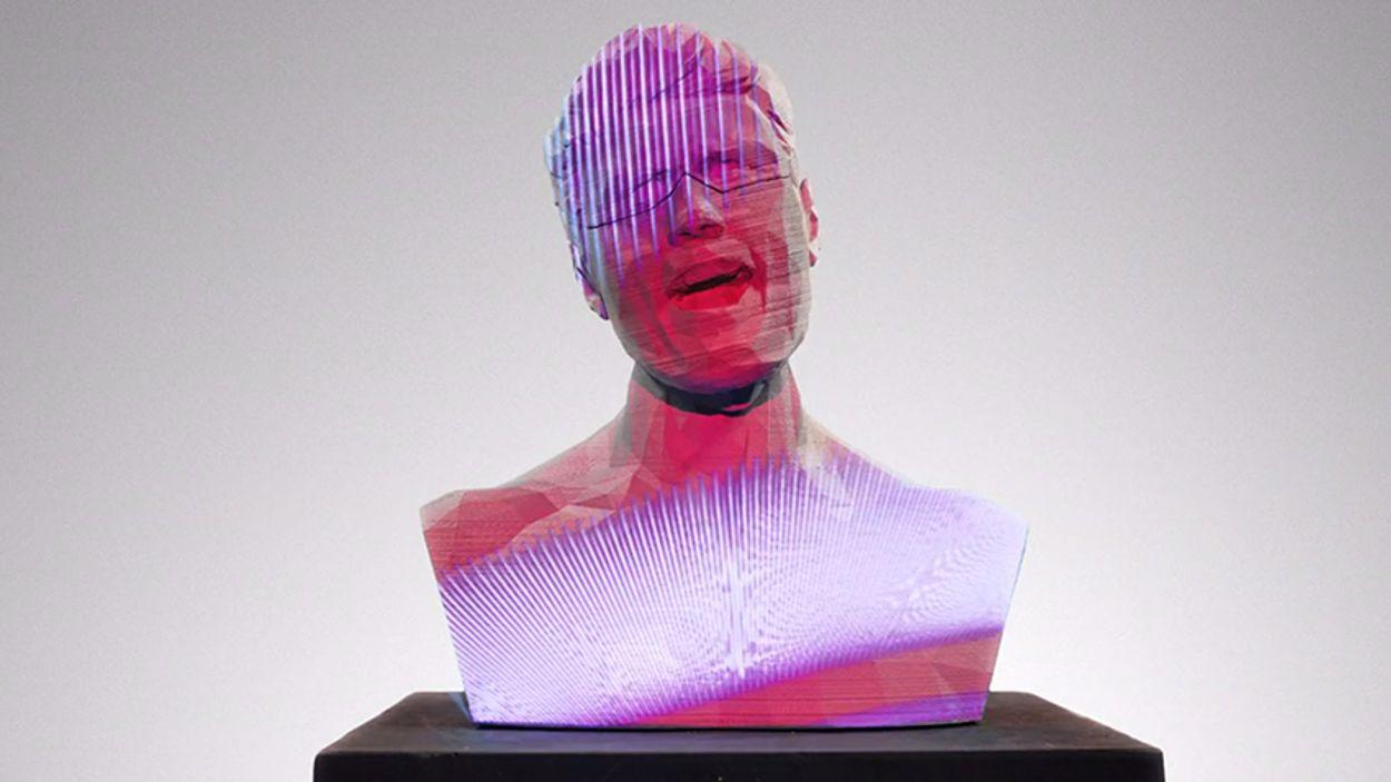 Afbeelding van Web Draait Door: Zingend standbeeld