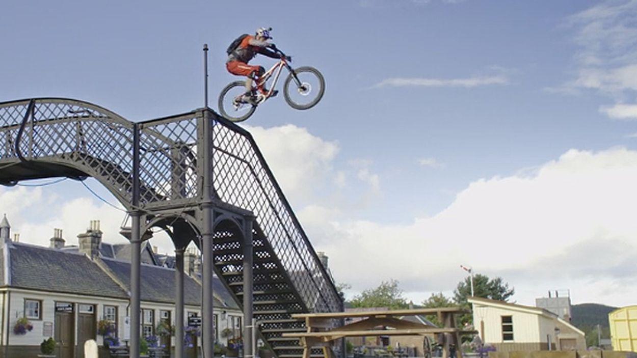 Afbeelding van Web Draait Door: op stap met mountainbiker Danny MacAskill