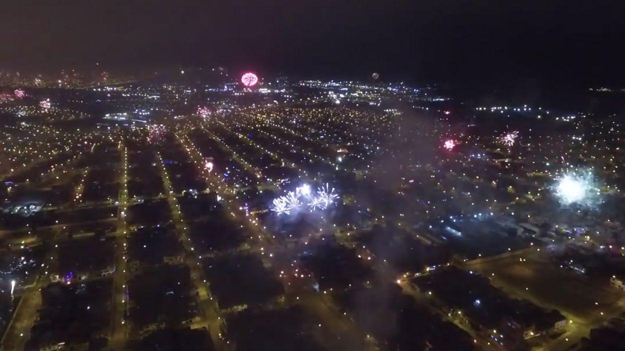 Afbeelding van Web Draait Door: vuurwerk in Lima