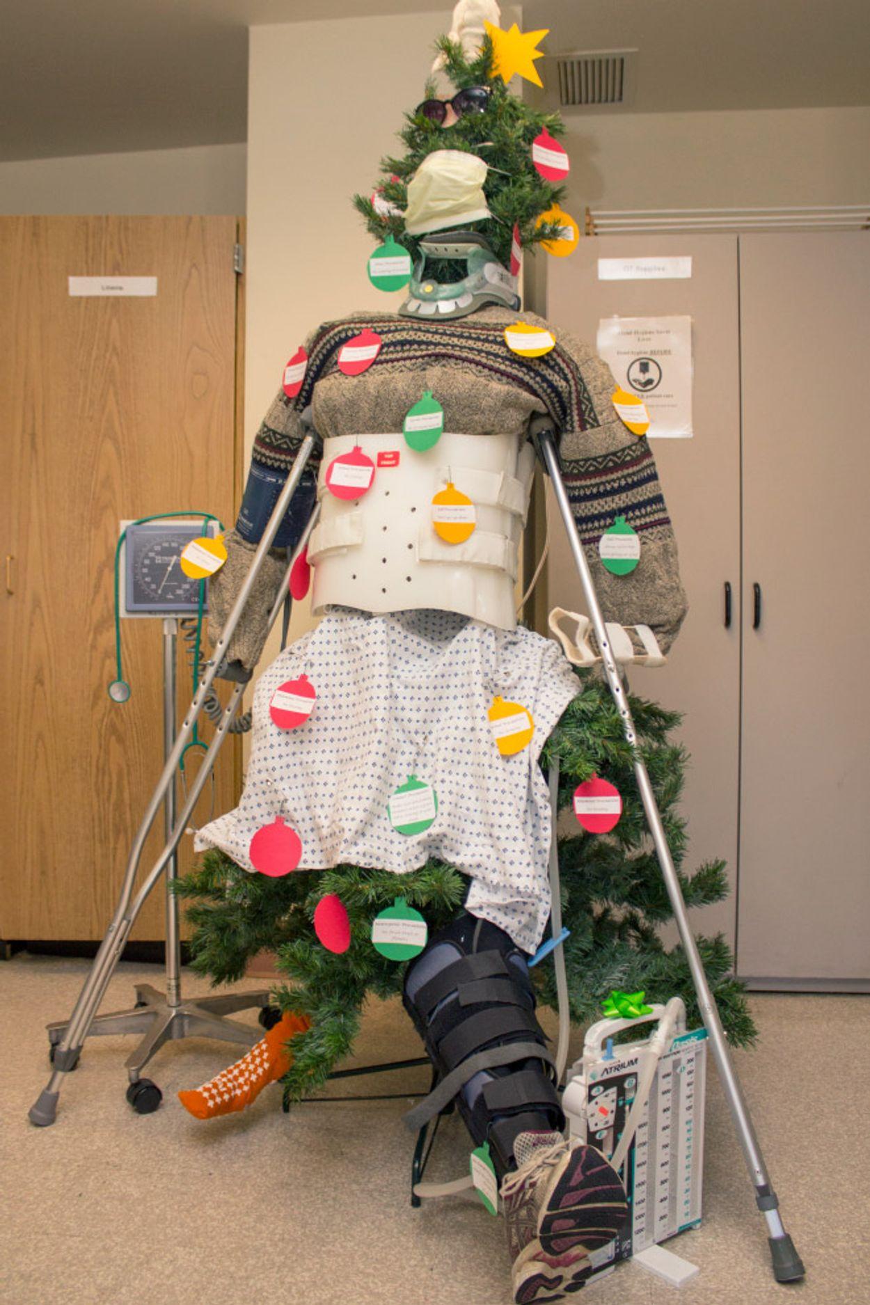 hospital-christmas-decorations4